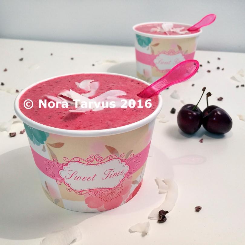 CherryRaspberryCoconutCacaoSmoothieBowl-1