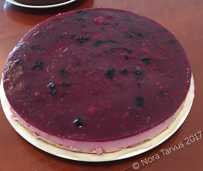 GlutenfreeDairyfreeMeatlessBerrycake