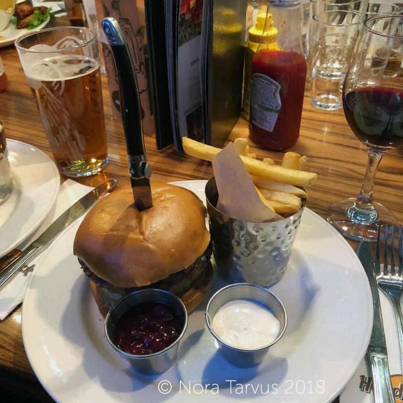 BurgersinHardRockCafeHelsinki