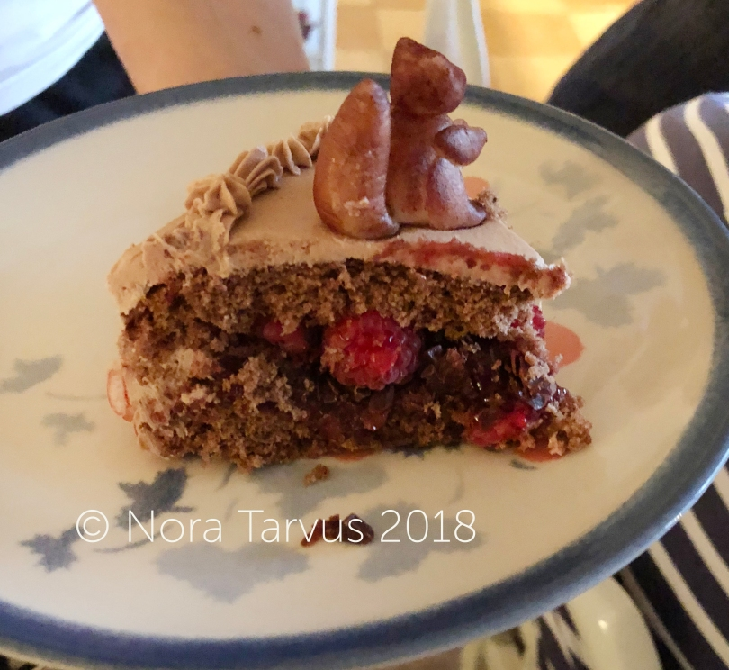 Fall Cake Inspiration - Squirrel Cake22